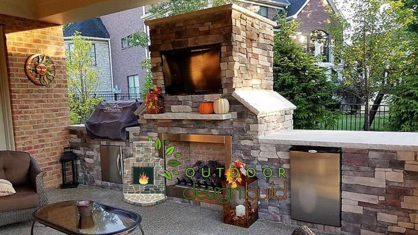 Cincinnati Outdoor Fireplace and Grill Station